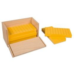 Пет жълти призми в жълта кутия